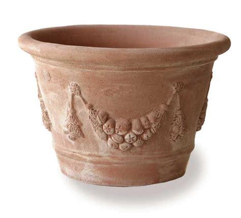 Terracotta Planters by Vaso Festonato Eye Of The Day Garden Design Center