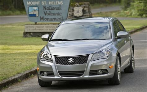 suzuki kizashi 2012 widescreen car image 22 of 46
