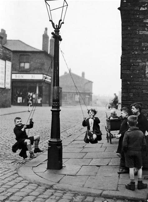 street swing before smartphones when kids had real fun bored panda