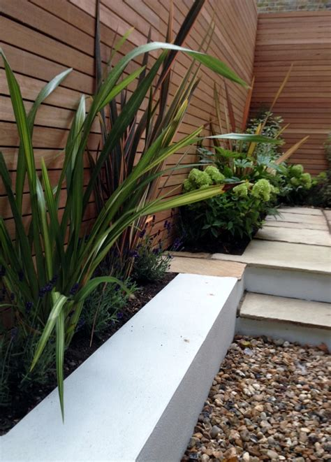 Low Garden Trellis Clapham Garden Design Sandstone Paving Hardwood