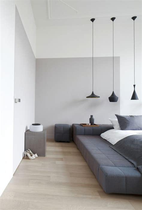 schlafzimmer ideen graues bett lavendelfarbene wand schlafzimmer grau 88 schlafzimmer mit deutlicher pr 228 senz