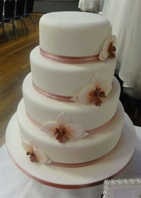 Wedding Cake Assembly by Wedding Cake Assembly Idea In 2017 Wedding