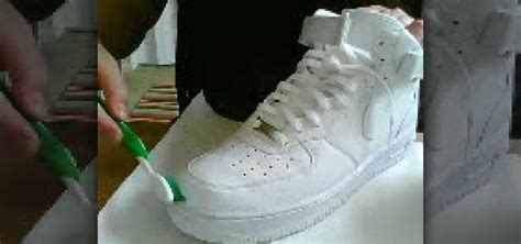 How To Clean A White by How To Clean A Pair Of White Nike Air Ones