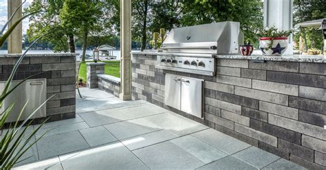 how to select a retaining wall that works with your