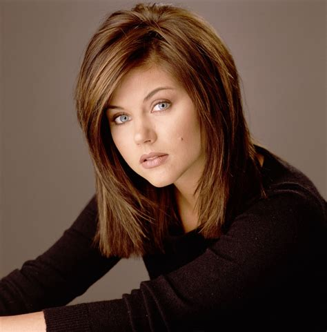tiffani thiessen hairstyle pictures hairstyles medium on pinterest tiffani thiessen medium