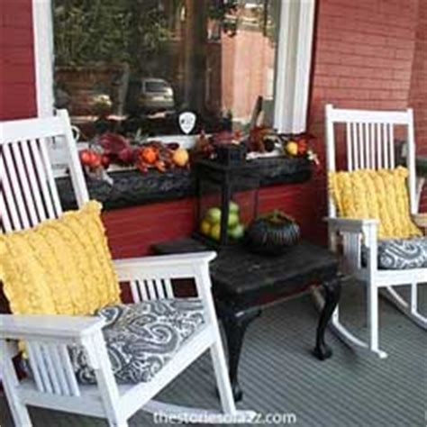more fall decorating ideas 19 pics outdoor fall decorating ideas for your front porch and beyond