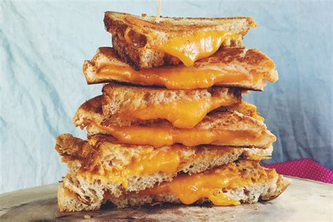 Grilled Cheese the 4 cheeses that will change your forever