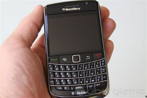 Let Blackberry Tell You Wheres With The Celebritys B List by Blackberry 9700 Review Ubergizmo