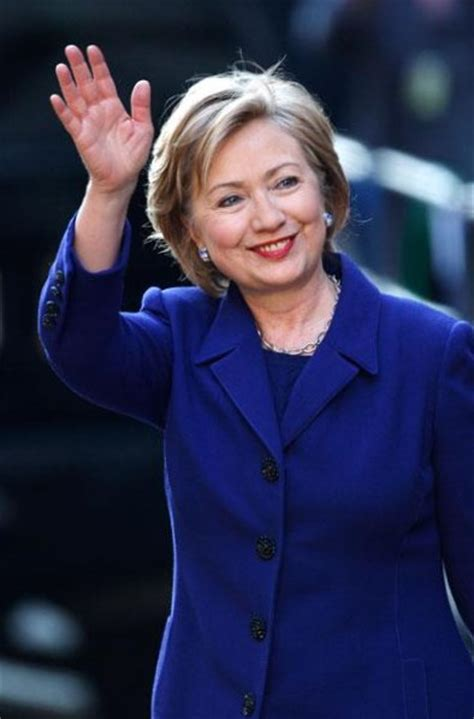 what is hillary clinton hair coloer height weight and eyes hillary clinton weight height and age