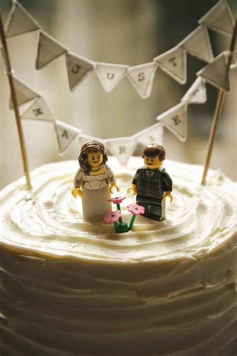 Wedding Cake Figures With Style by Five Non Traditional Wedding Cake Topper Ideas To Top Them