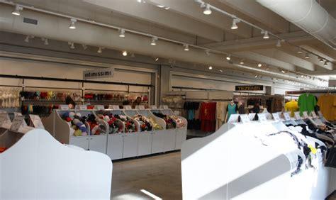 sede intimissimi avio shopping intimo da calzedonia