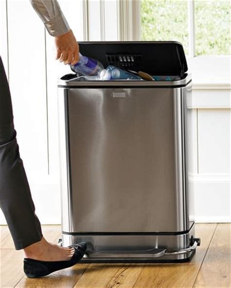 kitchen trash containers glancewheels com