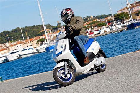 125er Elektromotorrad by Peugeot E Vivacity Elektroroller Test 2011 2012 E Bike