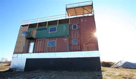 Modular Garage Apartment Sea Can House Is Made Completely From Shipping Containers