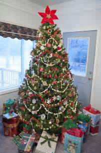 25 best ideas about christmas tree garland on pinterest