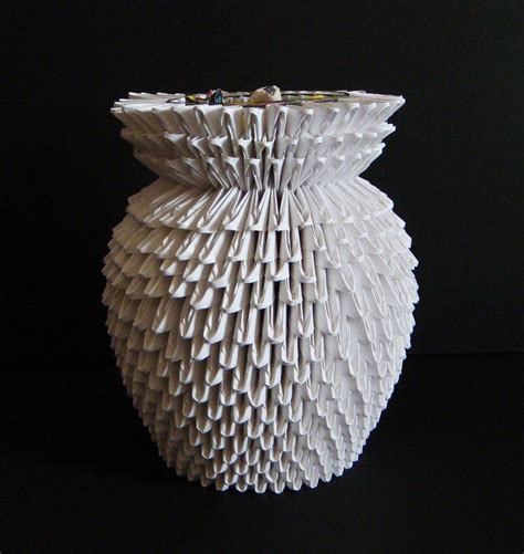 How To Make A 3d Origami Vase - 3d origami vase by sabrinayen on deviantart