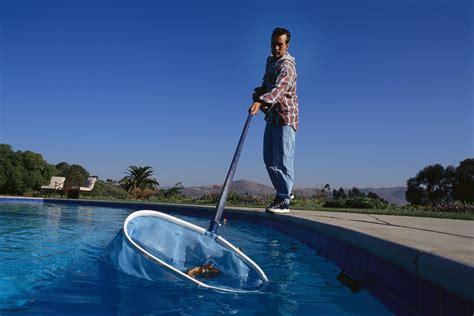 pool maintenance pool service