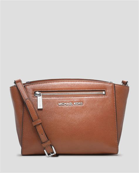 Michael Kors Messenger Crossbody Sign Brown michael michael kors crossbody medium messenger in brown cedar lyst