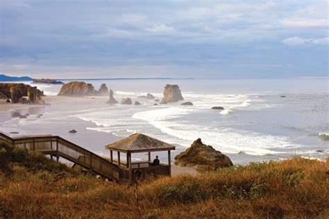 small towns to visit best small towns to visit on the oregon coast