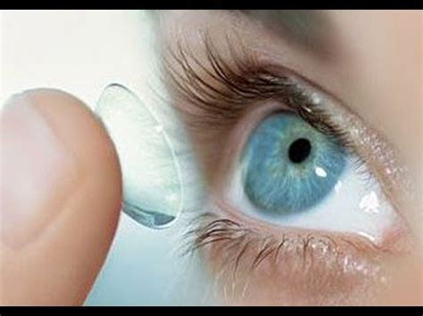 Putting In And Removing Contact Lenses by How To Put In Contacts For Beginners Plus Some Tips