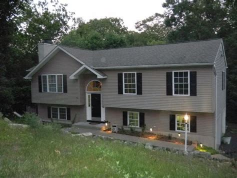 bi level beautiful bi level for sale 23 adelphi trl hopatcong nj