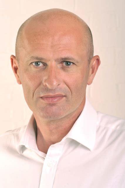 Gordon Hill Mba by Executive Management Team Iocom