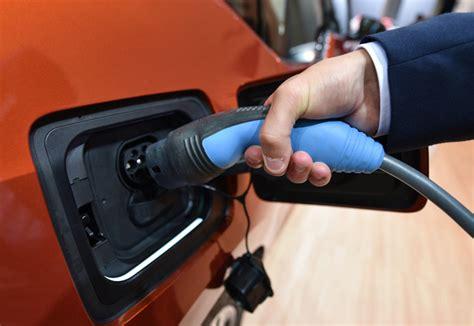 Electric Vehicles Govt Nz Bolger Says Govt Should Electrify Car Fleet Radio New