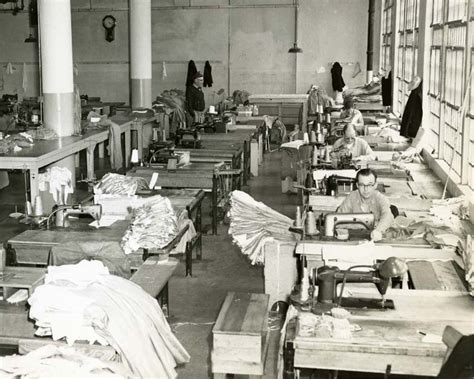 file alcatraz sewing room jpg wikimedia commons