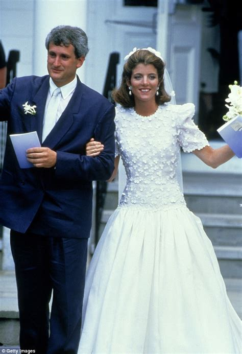 Caroline Kennedy Wedding Gown by Nicky S Wedding Dress Mimics Kate Middleton And