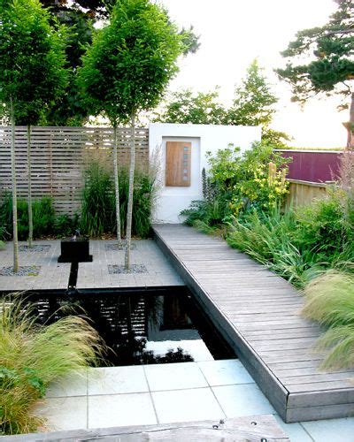 Contemporary Garden Decor Contemporary Garden Design Incorporating Pond With More Than A Hint Of Japanese Zen Stying