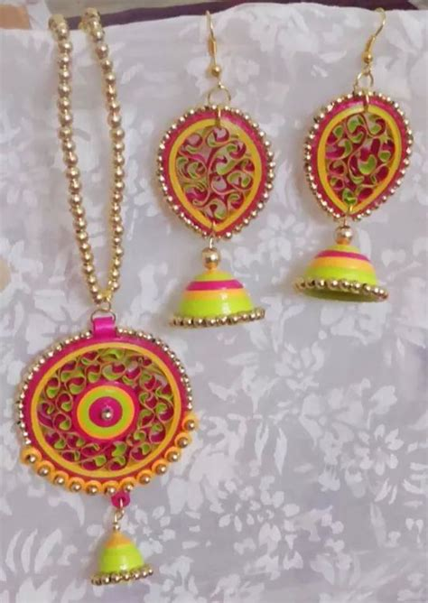 tutorial for quilling jhumkas 34 best loom band accessories images on pinterest