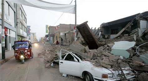 dead   injured  magnitude  earthquake rips