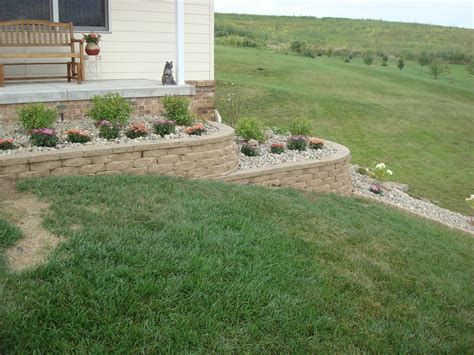 Design For Diy Retaining Wall Ideas Dishing Up Design Diy Retaining Wall Landscaping