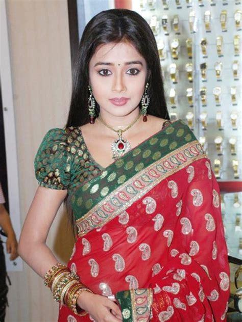 Uttaran 03 L White tina dutta tina is popular for as ichcha in the serial uttaran and has made a