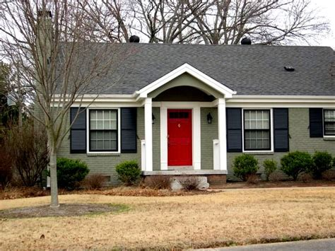green house red door beyond the portico help i need your advice
