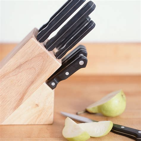 Buying Kitchen Knives Kitchen Knives Buying Guide How To Buy Kitchen Knives Housekeeping Institute