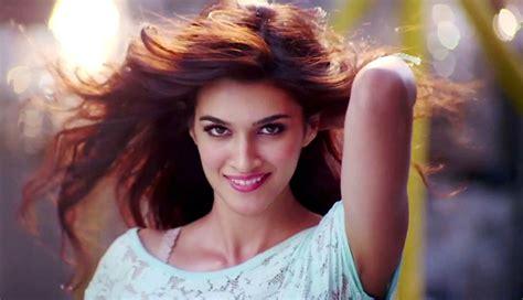 biography of movie heropanti kriti sanon hot actress profile hot picture bio body