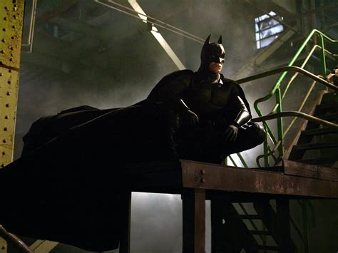 batman begins lights camera critic nick s thoughts on batman begins