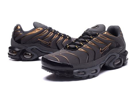 nike tn running shoes hearty nike air max plus txt black gold s running
