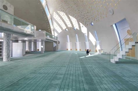 mosque carpets mehrab  dubai