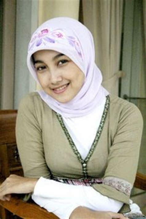 Jilbab Keren Fashion Keren By Novi White Ayu Tenan Jilbab Muslim Fashion