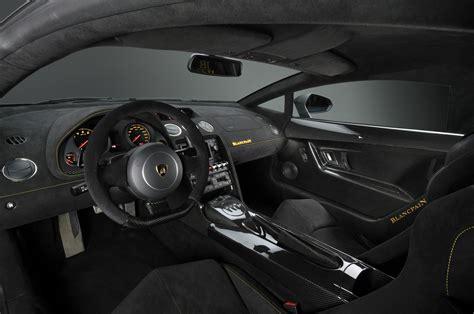 Inside The Lamborghini Lamborghini Gallardo El M 225 S Peque 241 O De La Firma Italiana