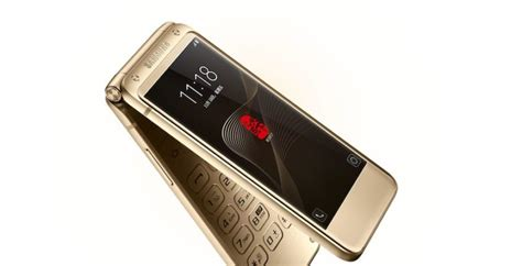 samsung makes its high end android flip phone w2017 official in china telecom talk