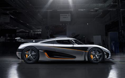 koenigsegg wallpaper koenigsegg agera one silver wallpaper