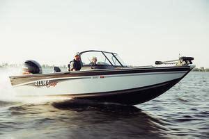 fish and ski boat buyers guide alumacraft fish and ski boat buyers guides
