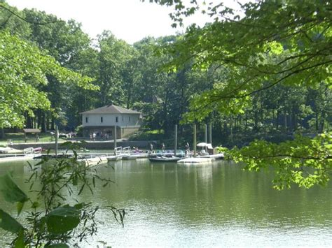 lake needwood rockville md address phone number body