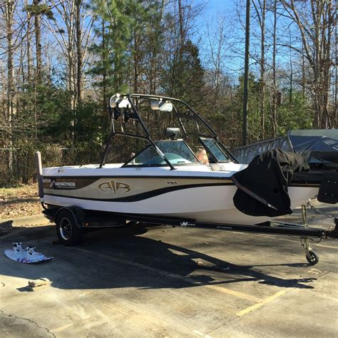 used boats under 30k correct craft super air team edition 210 2002 for sale for