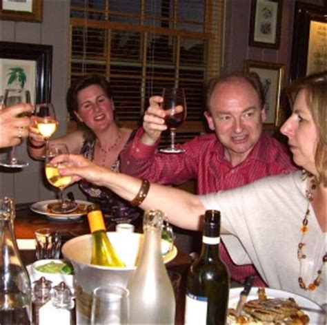 dining etiquette in scotland dinner party etiquette in the uk travel article at expatify