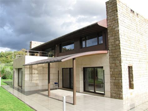 facciate casa facciate rosso con strisce bianche with facciate