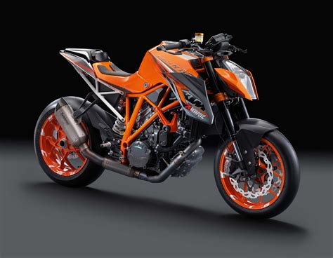 Ktm The Duke 38 Hi Res Photos Of The Ktm 1290 Duke R Asphalt